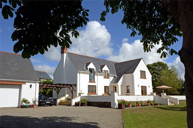4 Bedrooms Detached House for sale in Chestnut Grove, Newtown Road, Hook, Haverfordwest