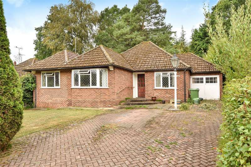 2 Bedrooms Detached Bungalow for sale in Broom Acres, Sandhurst, Berkshire, GU47