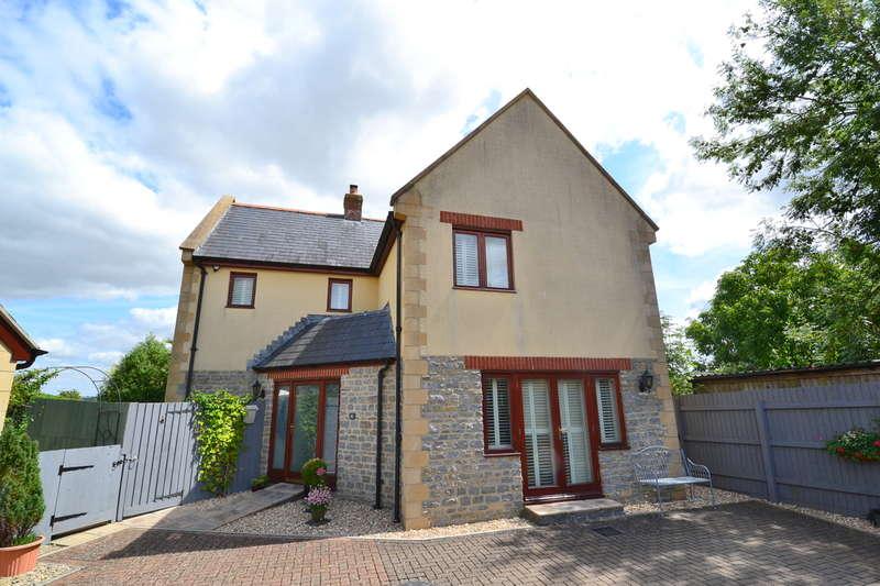 3 Bedrooms Detached House for sale in Henstridge, Somerset BA8 0RA