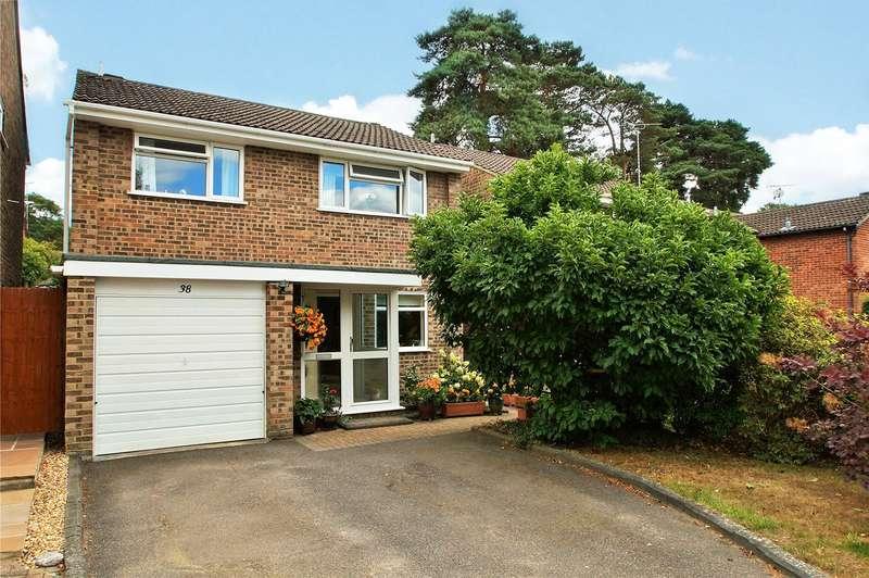 4 Bedrooms Detached House for sale in Balliol Way, Owlsmoor, Sandhurst, Berkshire, GU47