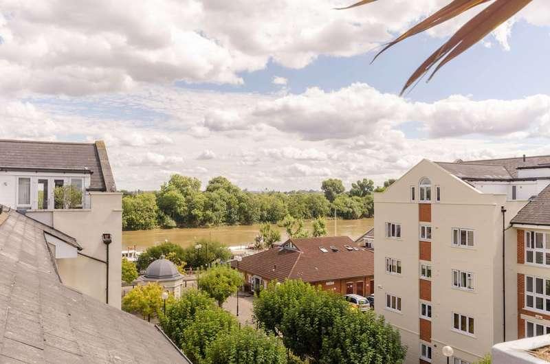 3 Bedrooms Penthouse Flat for sale in Corney Reach, Corney Reach, W4