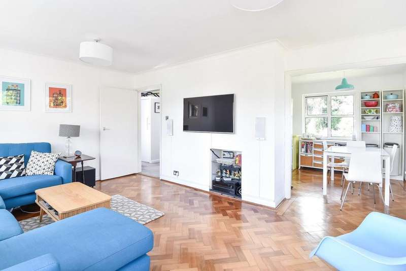 3 Bedrooms Flat for sale in Dulwich Wood Park, Crystal Palace