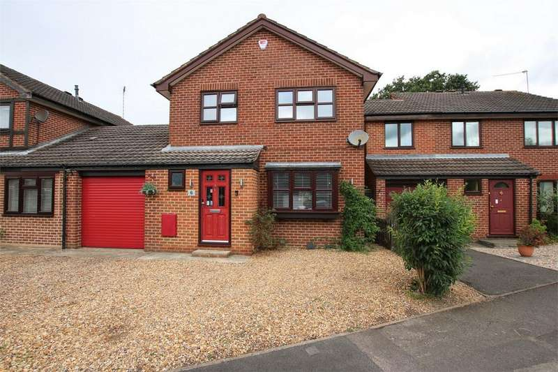 3 Bedrooms Link Detached House for sale in 6 Culloden Way, WOKINGHAM, Berkshire