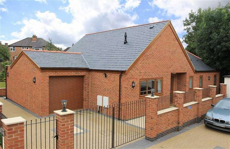 3 Bedrooms Detached Bungalow for sale in Meadvale Road, Knighton, Leicester