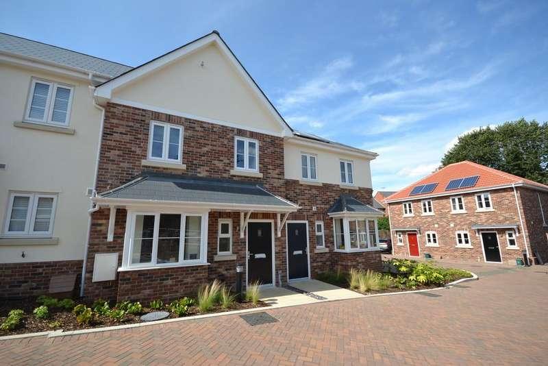 3 Bedrooms Terraced House for sale in 7 John Castle Way,