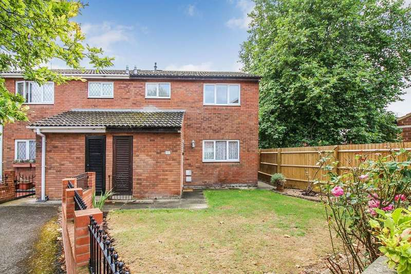 3 Bedrooms Semi Detached House for sale in Cornbrook Road, Aylesbury