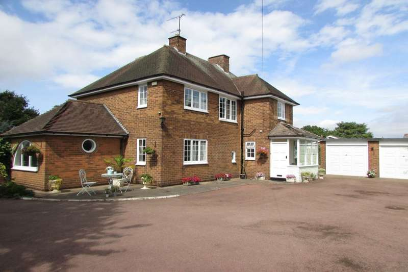5 Bedrooms Detached House for sale in The Avenue, Burton-Upon-Stather, Scunthorpe, DN15