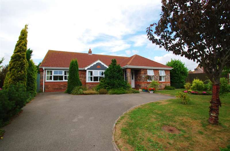 3 Bedrooms Bungalow for sale in Mill Close, Wainfleet, Skegness