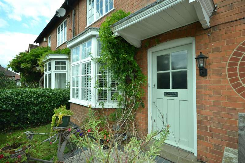 4 Bedrooms Semi Detached House for sale in Knighton Road, Knighton, Leicester