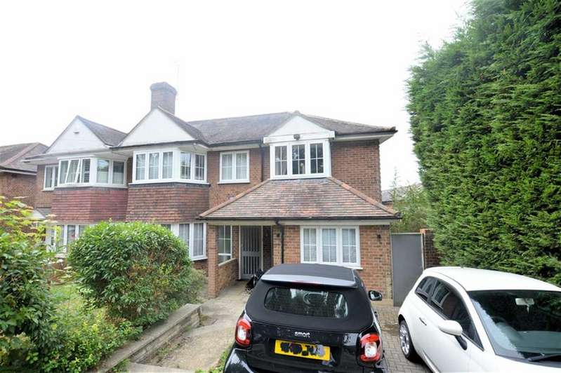 4 Bedrooms Semi Detached House for sale in Hillcrest Way, Epping