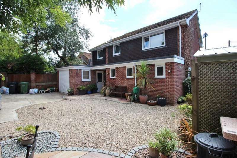 4 Bedrooms Detached House for sale in Chapel Road, West End SO30
