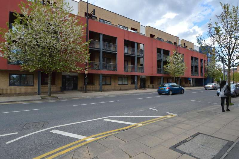 2 Bedrooms Apartment Flat for sale in Stretford Road, Hulme, Manchester M15