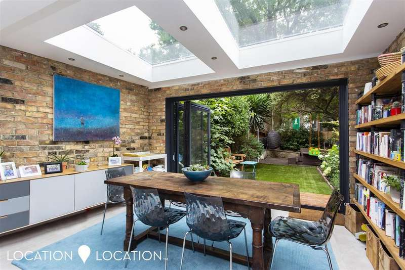 5 Bedrooms Terraced House for sale in Colvestone Crescent, London