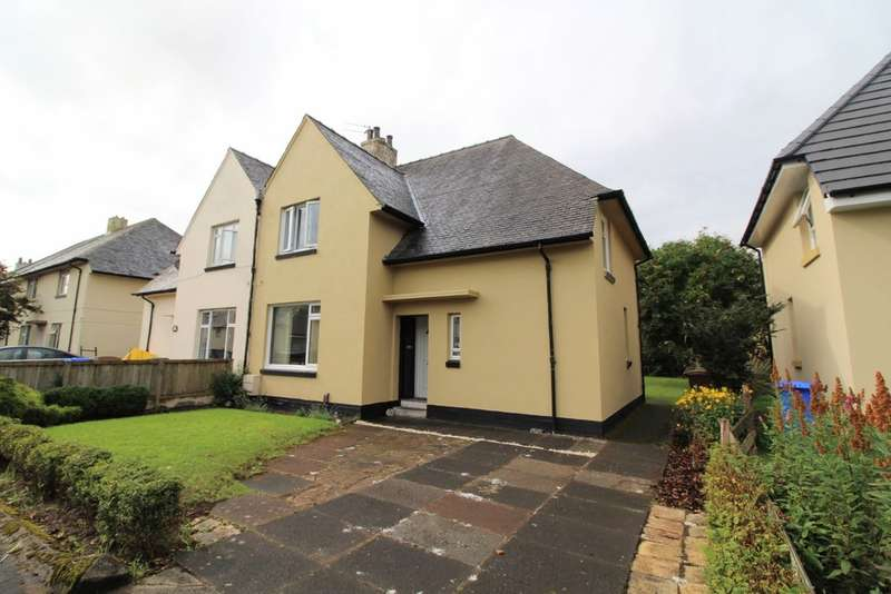 3 Bedrooms Semi Detached House for sale in Clune Drive, Prestwick, KA9