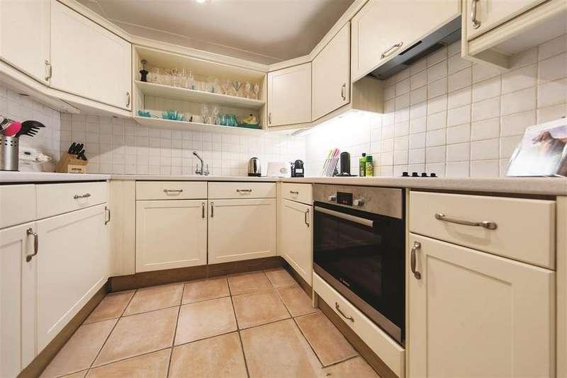 2 Bedrooms Flat for sale in Carmalt Gardens, SW15