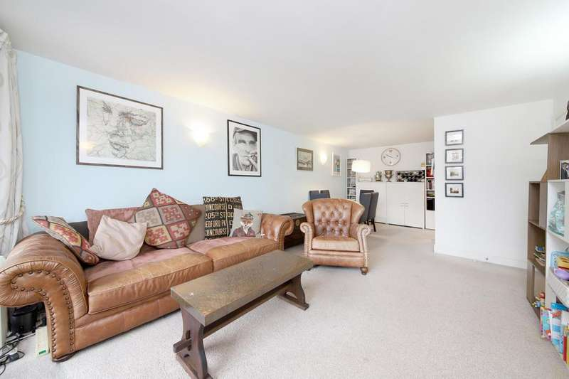 2 Bedrooms Apartment Flat for sale in Naylor Building West, 1 Assam Street, London, E1