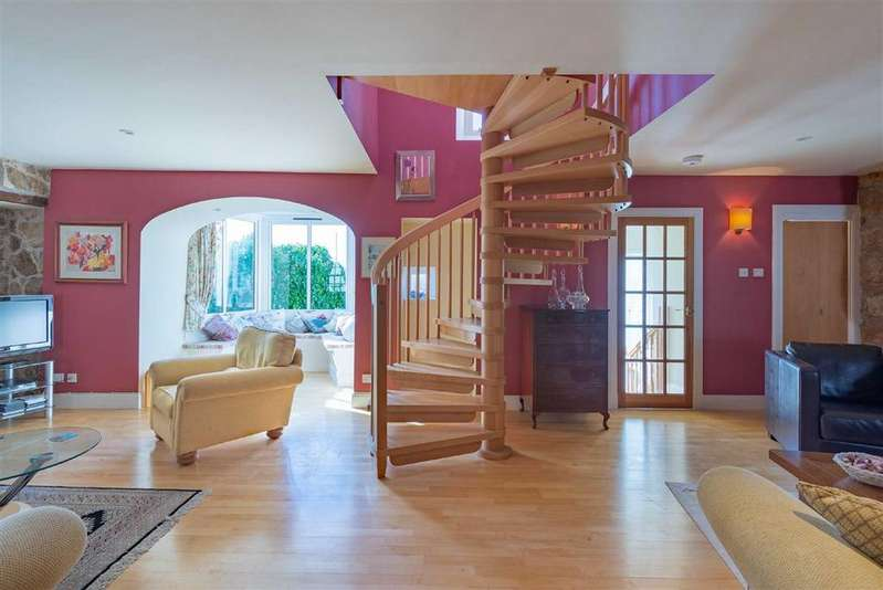 3 Bedrooms Terraced House for sale in High Street West Esplanade, Anstruther