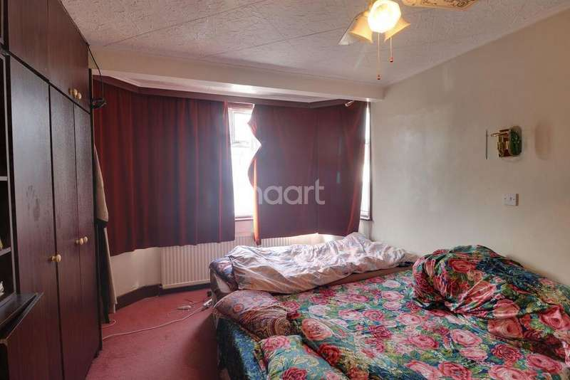 3 Bedrooms Terraced House for sale in Evelyn Avenue, London NW9