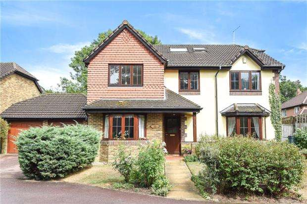 6 Bedrooms Detached House for sale in Somerset Grove, Warfield, Bracknell