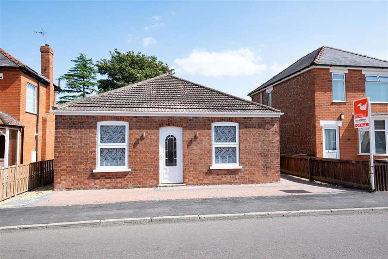2 Bedrooms Bungalow for sale in Park Road, Boston
