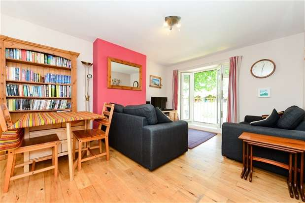 3 Bedrooms Maisonette Flat for sale in Chaucer Road, Herne Hill