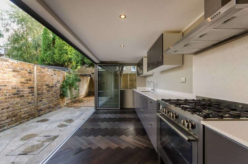 3 Bedrooms Terraced House for sale in Cochrane Road, Wimbledon, SW19
