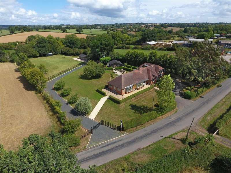 6 Bedrooms Detached Bungalow for sale in Stoke Pound, Bromsgrove