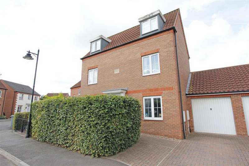 3 Bedrooms Property for sale in Bluebell Way, Bourne