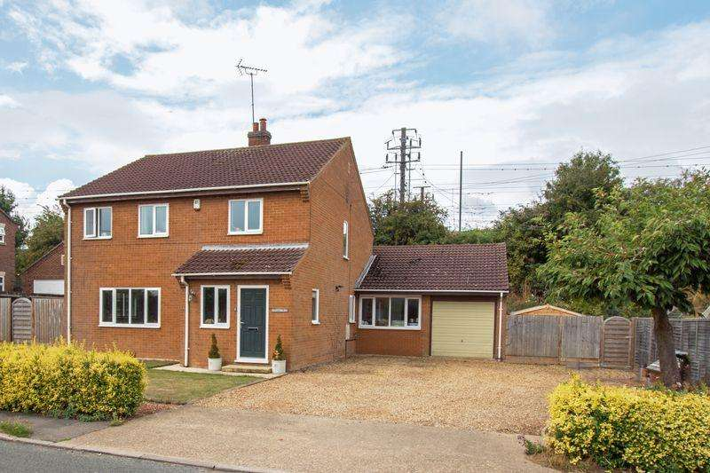 5 Bedrooms Detached House for sale in Station Road, Little Bytham