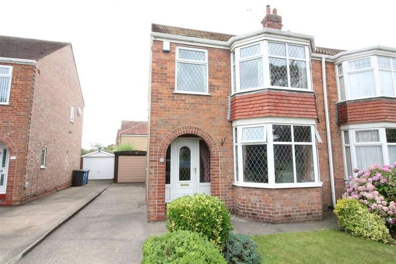 3 Bedrooms Semi Detached House for sale in Tweendykes Road, Sutton-On-Hull, Hull
