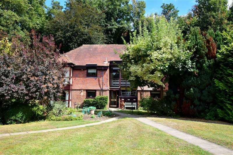 1 Bedroom Retirement Property for sale in Woodrow Court, Church Road, Reading