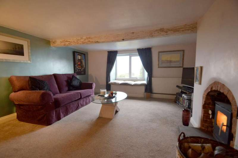 3 Bedrooms Semi Detached House for sale in Silver Street, Fairburn