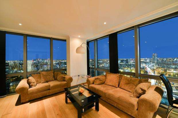 2 Bedrooms Flat for sale in West India Quay, Hertsmere Road, London, E14