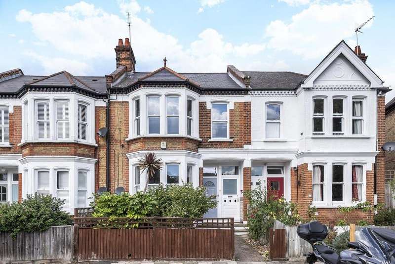 3 Bedrooms Flat for sale in Harborough Road, Streatham