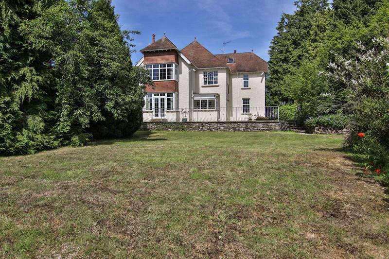 6 Bedrooms Detached House for sale in Hereford Road, Abergavenny