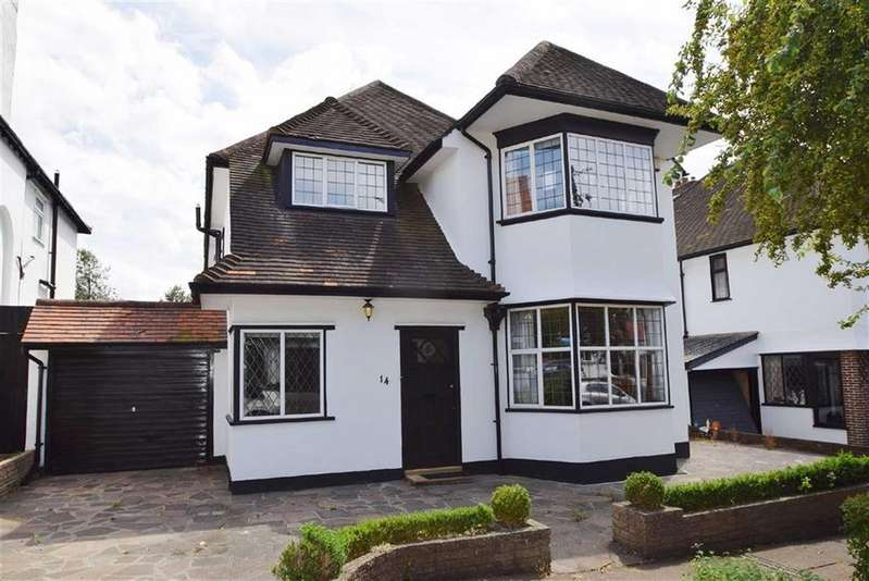 4 Bedrooms Detached House for sale in Meadway, Westcliff, Essex