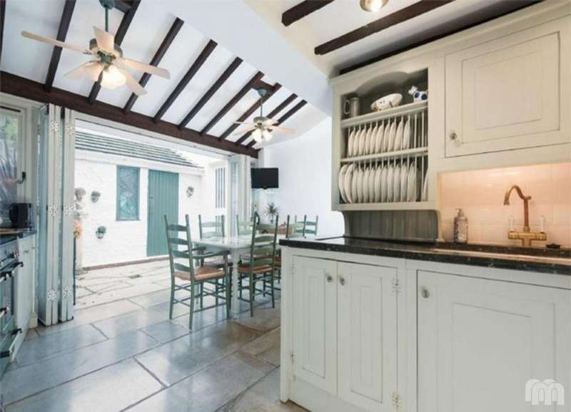 4 Bedrooms Detached House for sale in Vine Place, Brighton, East Sussex, BN1