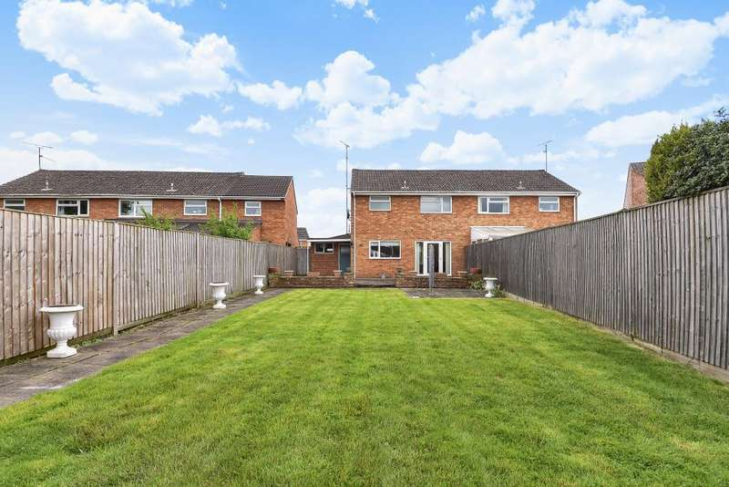 3 Bedrooms House for sale in Welford Road, Woodley, Reading,, RG5