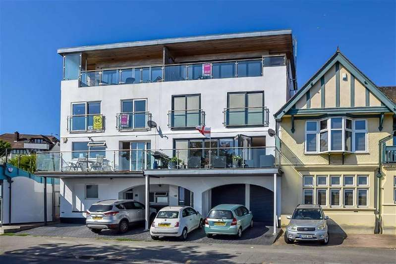 4 Bedrooms Terraced House for sale in Chalkwell Esplanade, Westcliff-on-Sea, Essex
