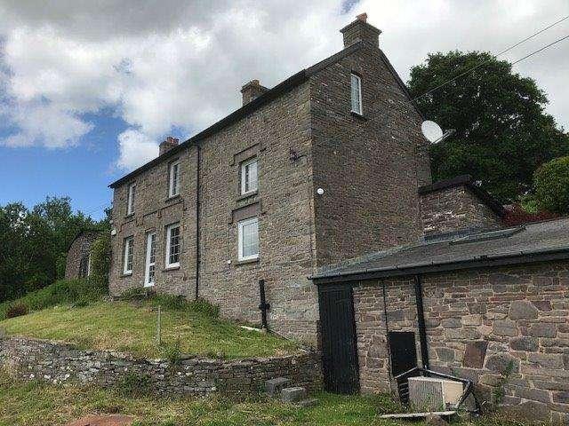 3 Bedrooms Detached House for sale in Cwmdu, Crickhowell