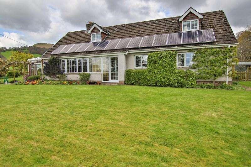 4 Bedrooms Detached House for sale in Llanbedr, Crickhowell