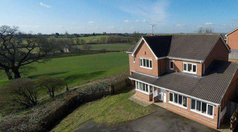 6 Bedrooms Detached House for sale in SWAN HILL, MICKLEOVER