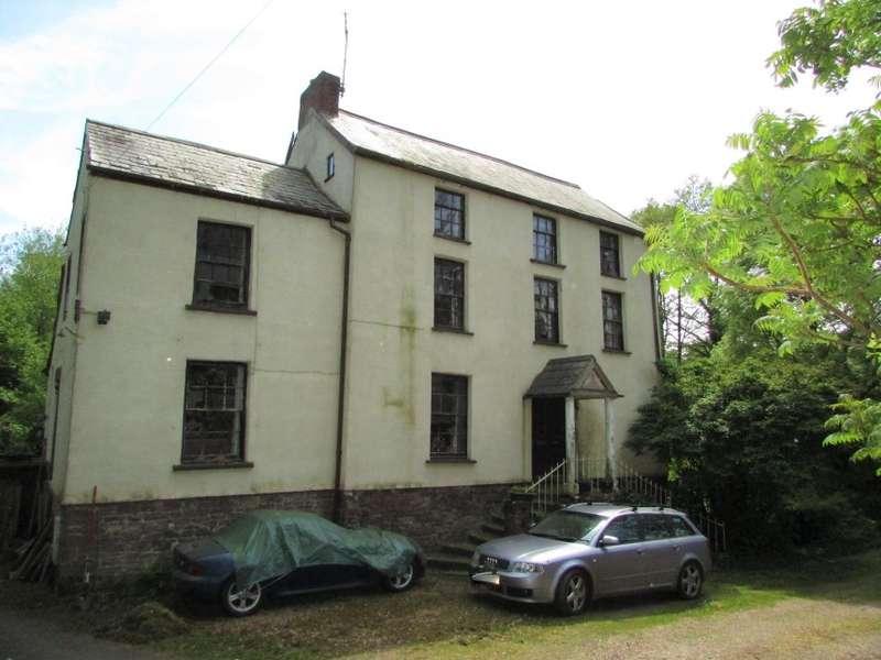 6 Bedrooms Detached House for sale in Alvington House, Alvington, Lydney, Gloucestershire