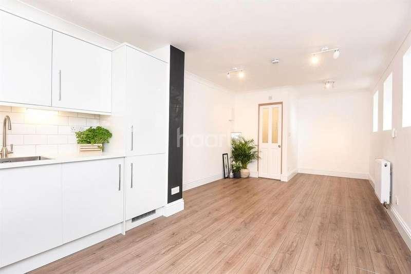 Studio Flat for sale in Borrodaile Road, SW18