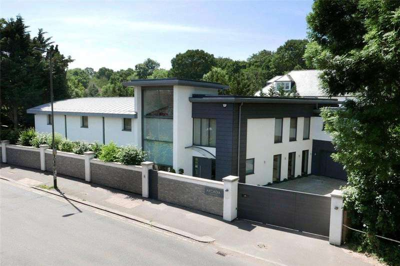 7 Bedrooms Detached House for sale in Parkside, Wimbledon Common, SW19