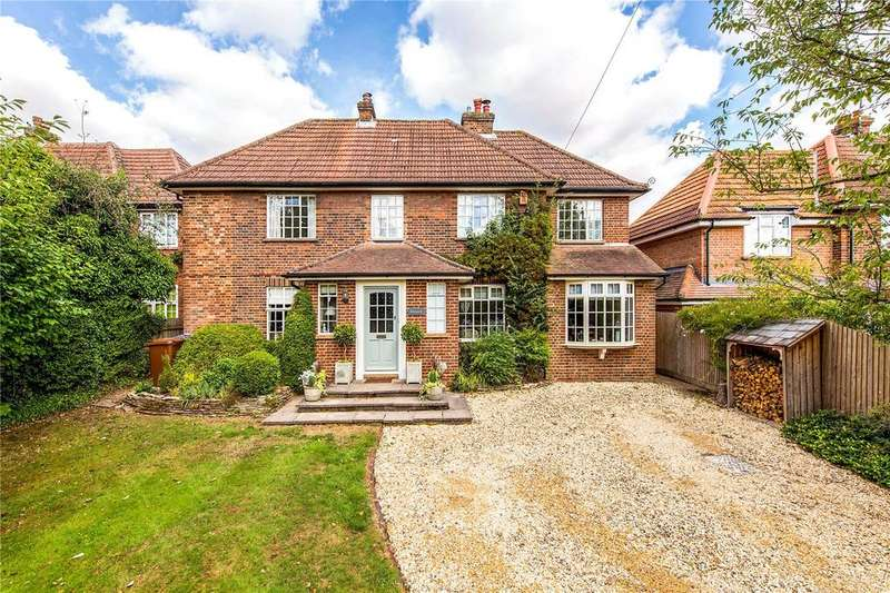 4 Bedrooms Detached House for sale in Oakfields Road, Knebworth, Hertfordshire, SG3