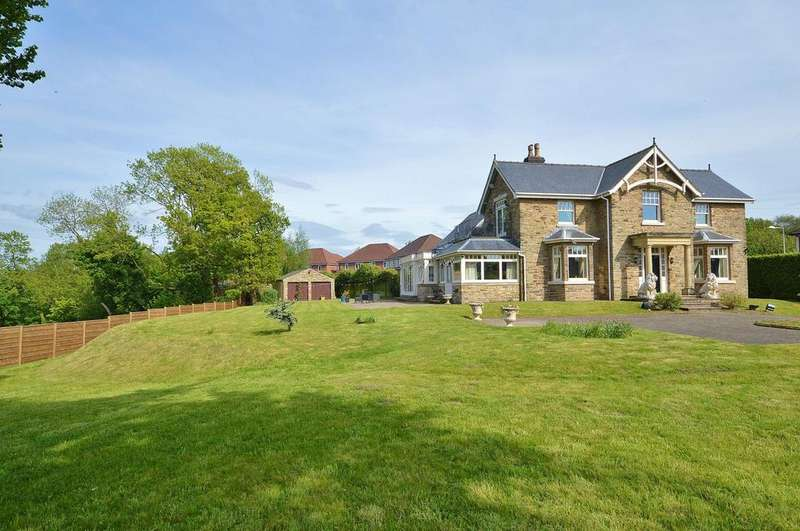 5 Bedrooms Detached House for sale in Dale Road, Marple