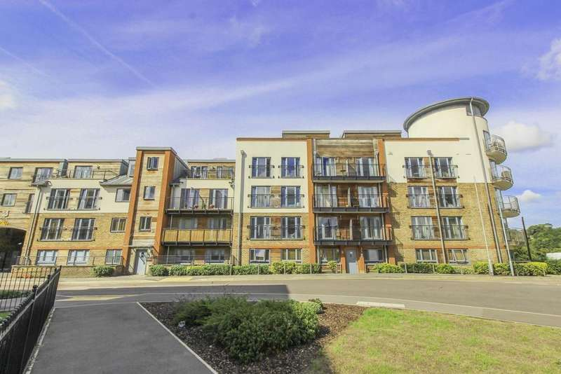 2 Bedrooms Apartment Flat for sale in The Waterfront, Hertford, SG14