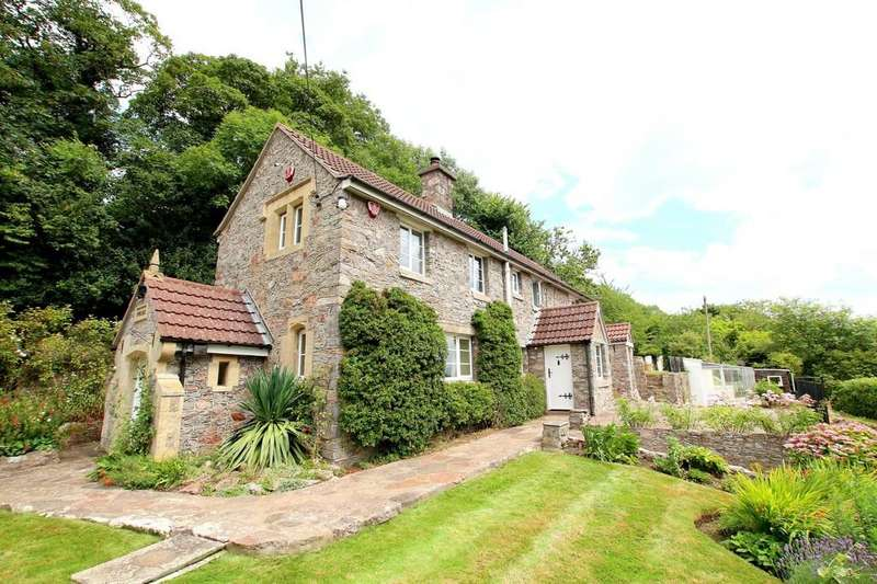 3 Bedrooms Cottage House for sale in Grounds of approximately an acre including a private woodland