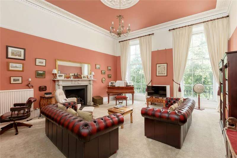 3 Bedrooms Flat for sale in 1/1 Albyn Place, New Town, Edinburgh, EH2